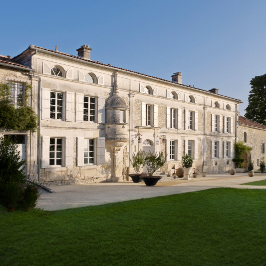 maitre-oeuvre-hotellerie-luxe-privee-logis-grey-goose-cognac